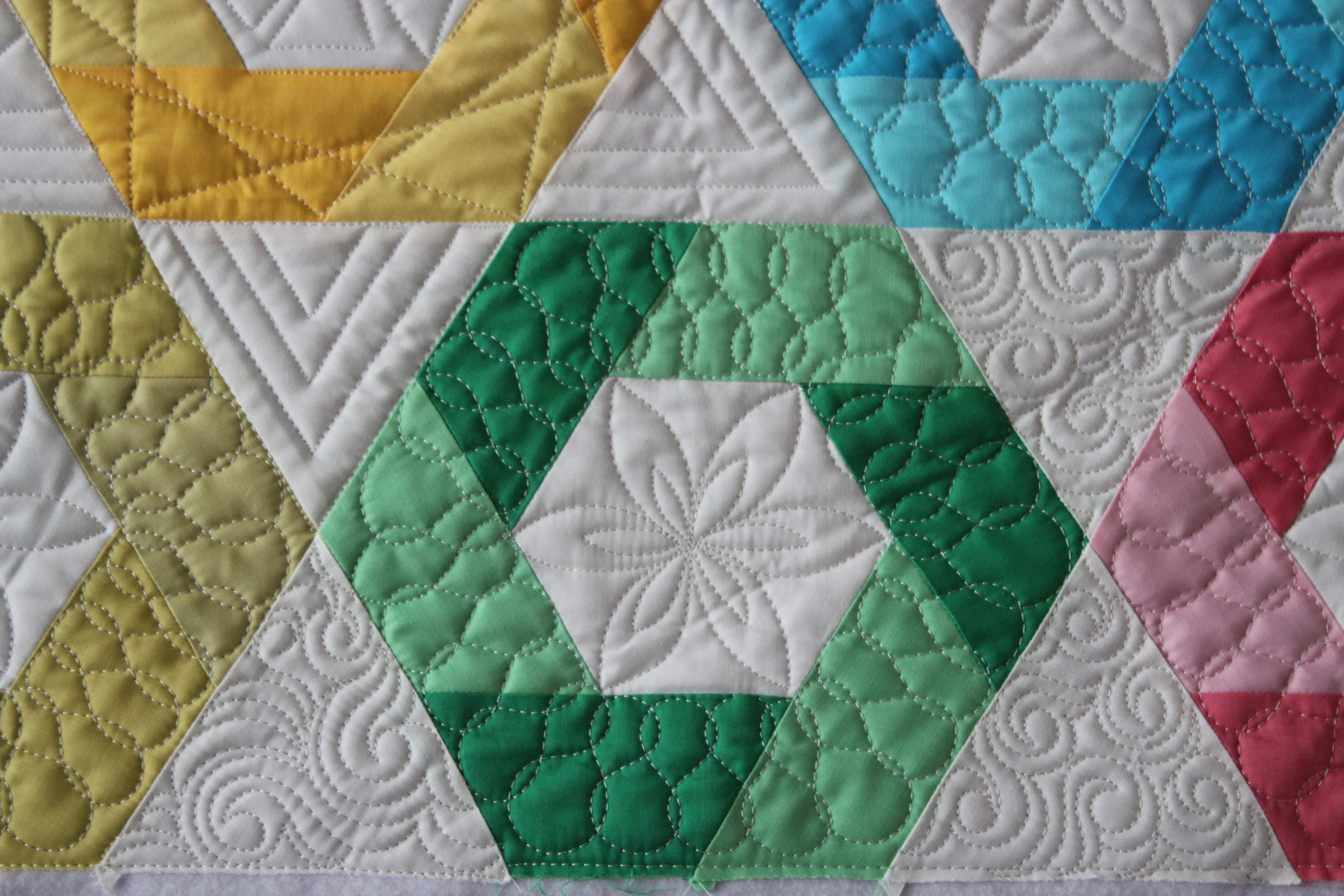 Quilting Is My Therapy Make a Rule, Break a Rule - Quilting Is My ... : how to make hexagons for quilts - Adamdwight.com