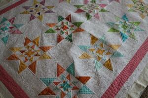modern bee quilt