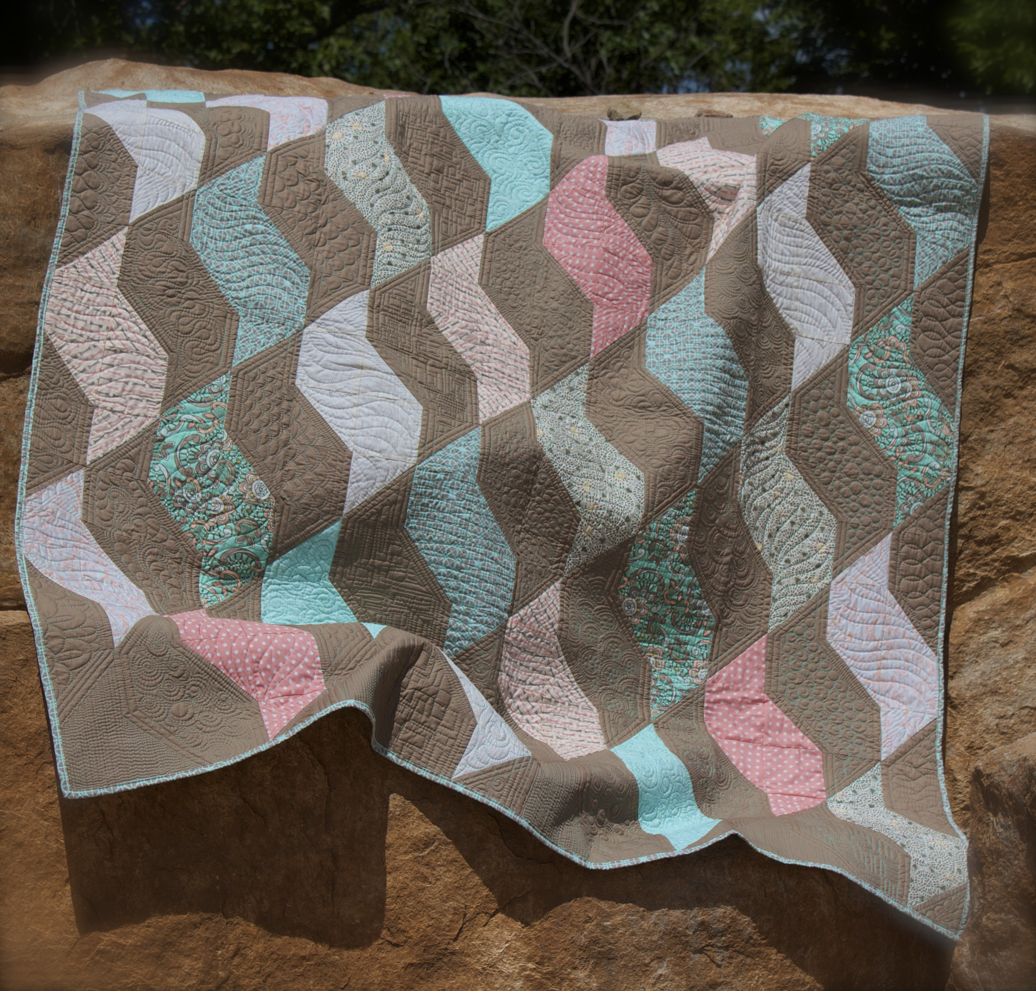 Quilting Is My Therapy Coral- A free Quilt Pattern - Quilting Is My