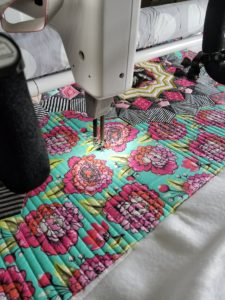 straight line quilting in border